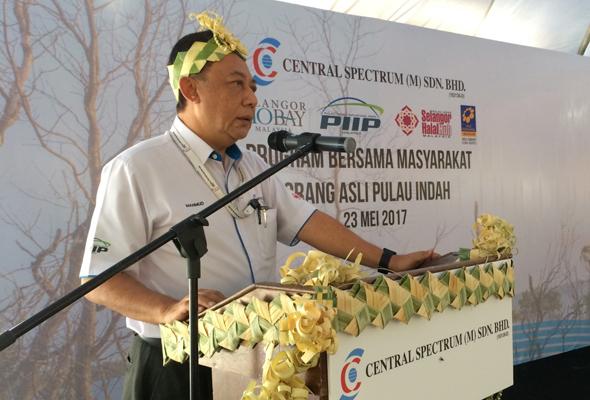 Community Program With Indigenous People Of Pulau Indah