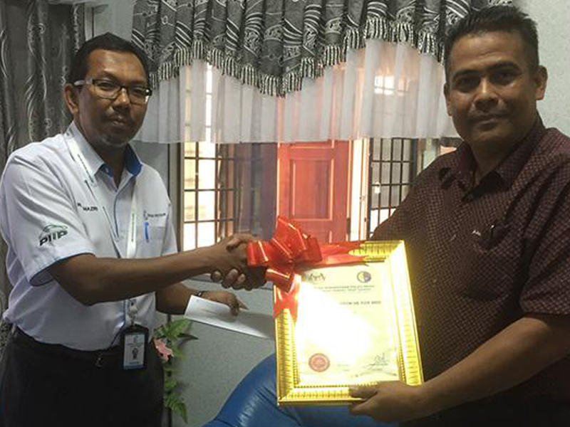 Zakat Contribution To Underprivileged People In Pulau Indah