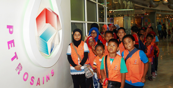 Educational Visits With Underprivileged Children Of Pulau Indah